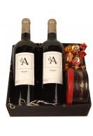 Vinæske med 2 fl. vin og lakridskonfekt